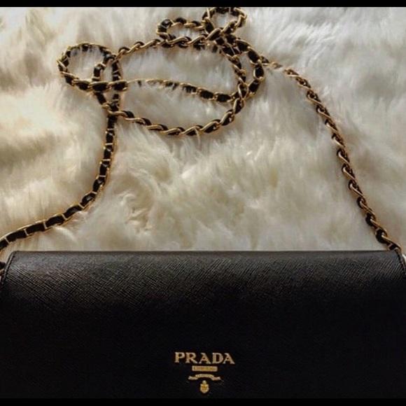 ab29b76f170d Prada Black Wallet On Chain. M_5ace526d8df4706eb3e85c2b